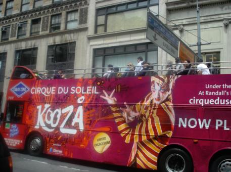 tour-bus-sat