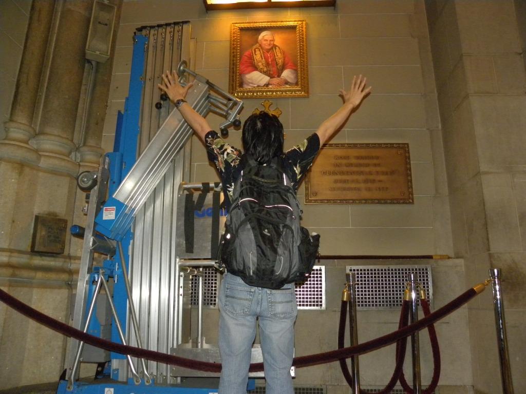 Sa St. Patrick's Cathedral with Pope Benedict ang tiguwang nga Santo Papa